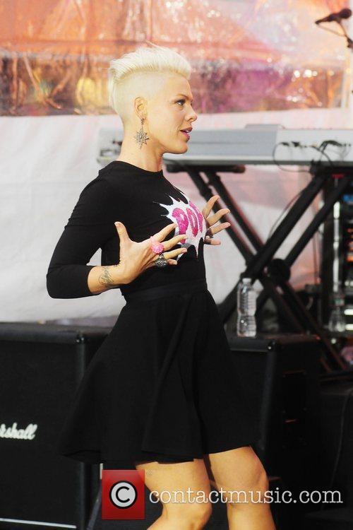pink aka alecia moore performs at rockefeller 5915035