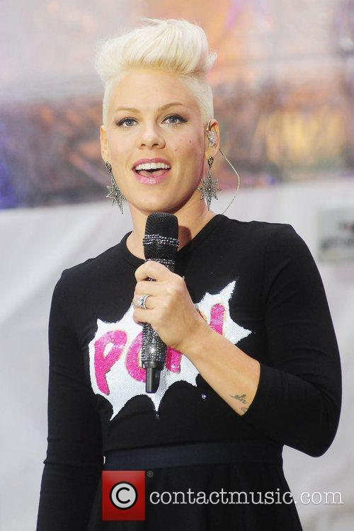 pink-aka-alecia-moore-performs-at-rockefeller_5915037.jpg