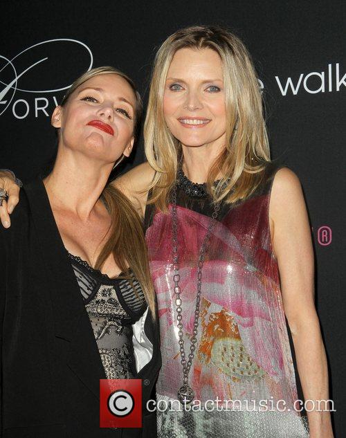 Dedee Pfeiffer and Michelle Pfeiffer 2