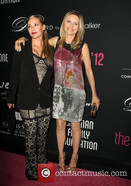 Dedee Pfeiffer and Michelle Pfeiffer 11