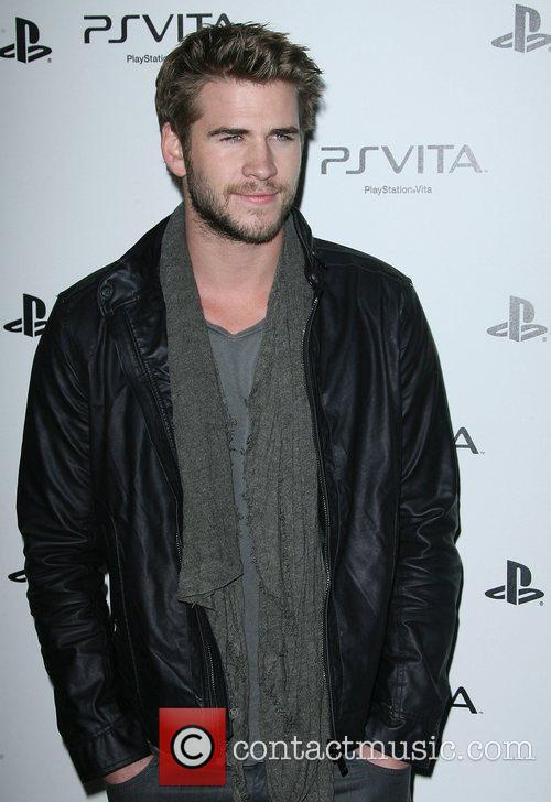 liam hemsworth sony playstation ps vista portable entertainment 3732737