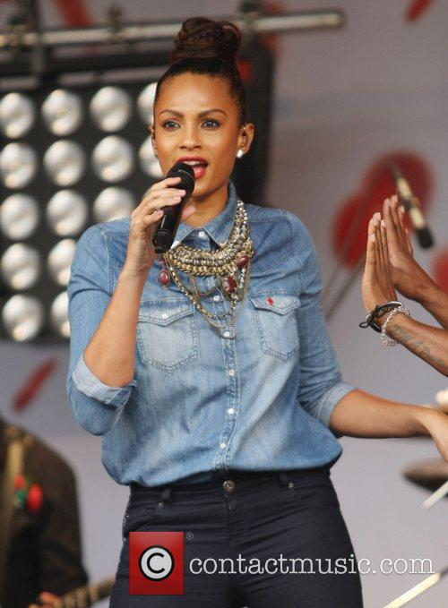 Alesha Dixon and Trafalgar Square 3