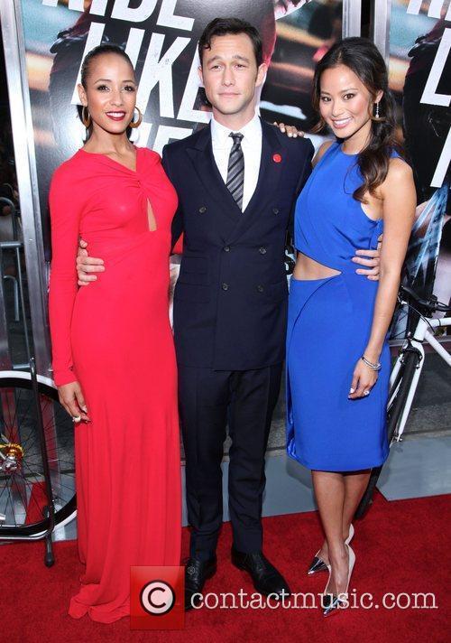 Dania Ramirez, Jamie Chung and Joseph Gordon-levitt 3