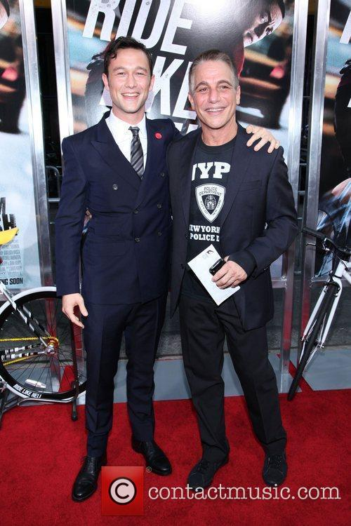 Joseph Gordon-levitt and Tony Danza 4