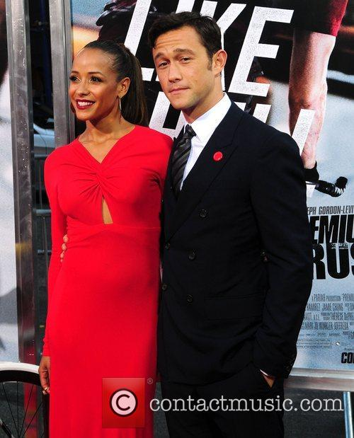 Dania Ramirez and Joseph Gordon-levitt 5