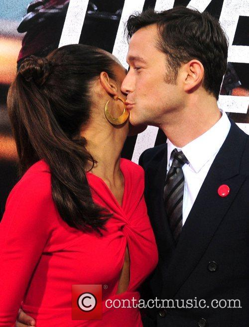 Dania Ramirez and Joseph Gordon-levitt 6