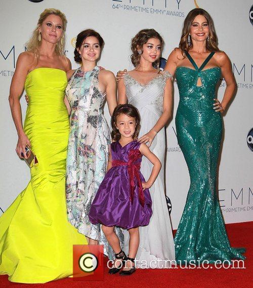 Julie Bowen, Ariel Winter, Aubrey Anderson-emmons, Sarah Hyland and Sofia Vergara 2