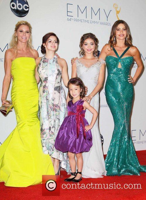 Julie Bowen, Ariel Winter, Sarah Hyland, Sofia Vergara,...