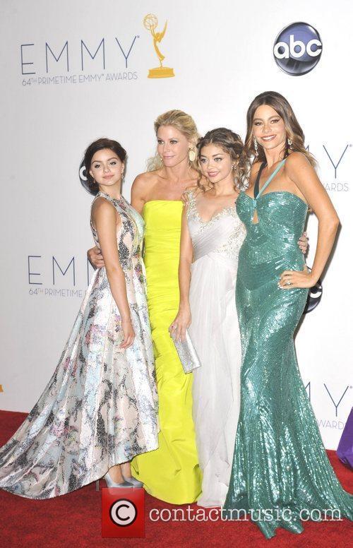 Ariel Winter, Julie Bowen, Sarah Hyland and Sofia Vergara 3