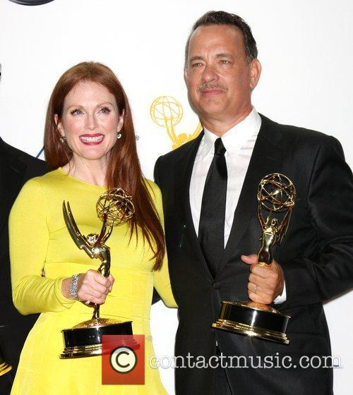 Julianne Moore and Tom Hanks 10
