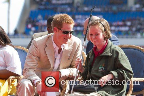 prince harry chats with blind student anna 5805024