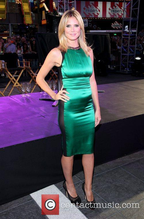 Heidi Klum and Times Square 11