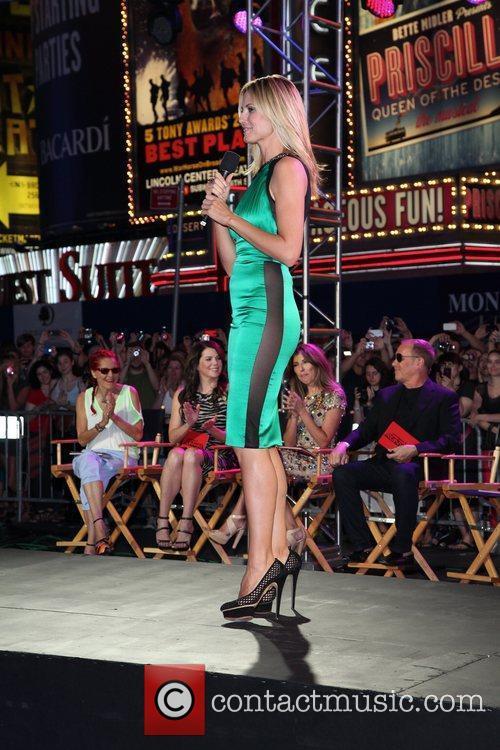 Heidi Klum and Times Square 14