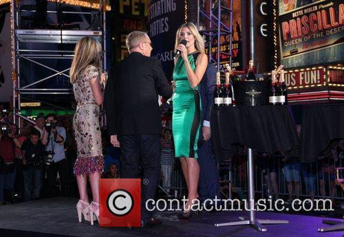 Heidi Klum and Times Square 17