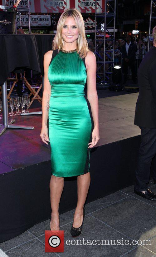 Heidi Klum and Times Square 22