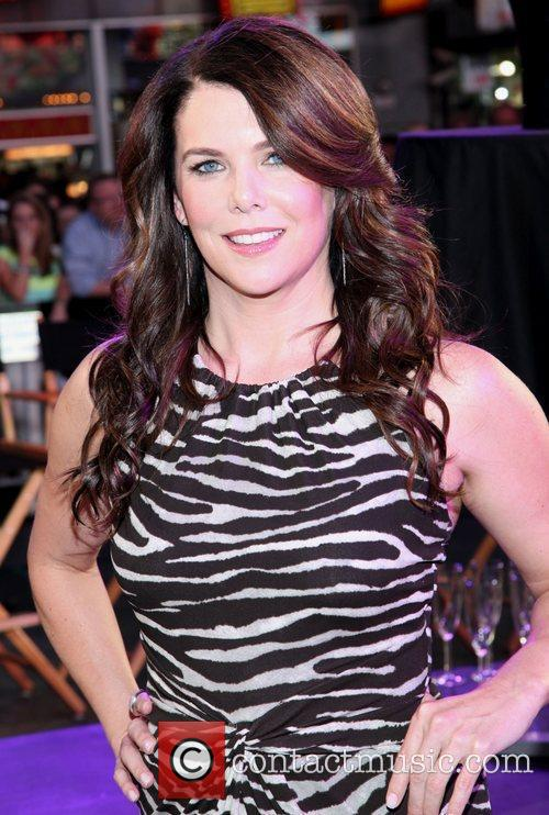 Lauren Graham and Times Square 3