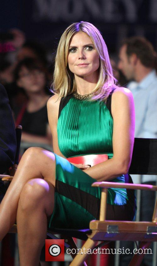 Heidi Klum and Times Square 28
