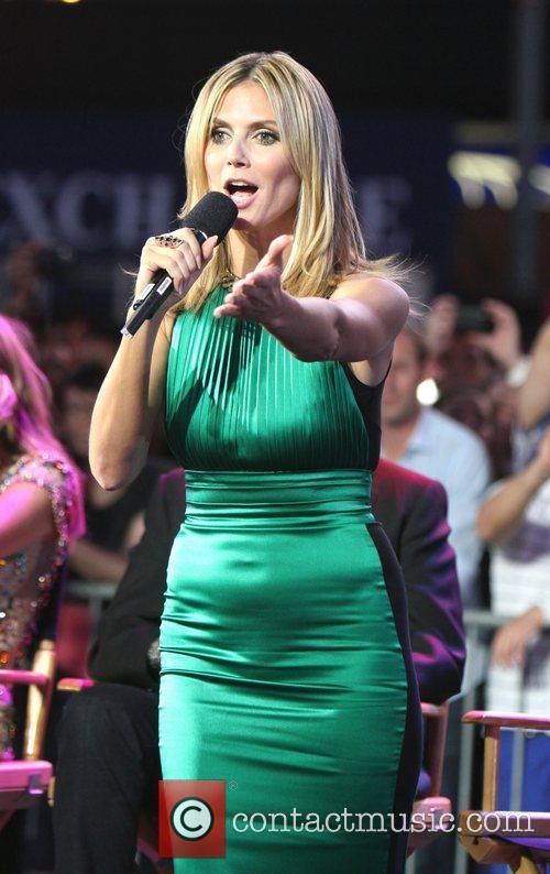 Heidi Klum and Times Square 30