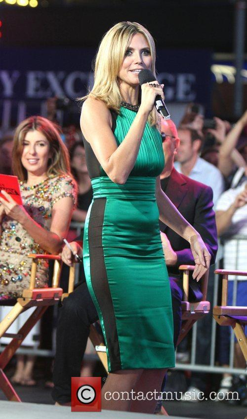 Heidi Klum and Times Square 31