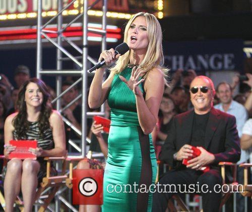 Heidi Klum and Times Square 32