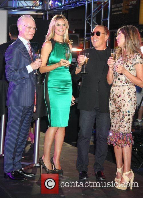 Tim Gunn, Heidi Klum, Michael Kors, Nina Garcia and Times Square 3