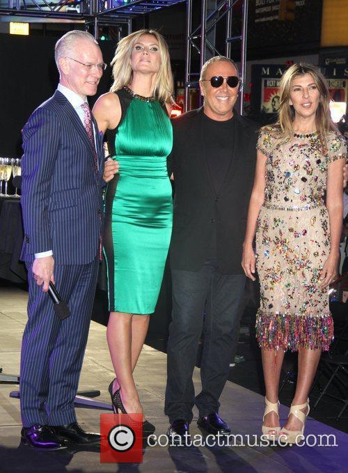 Tim Gunn, Heidi Klum, Michael Kors, Nina Garcia and Times Square 1