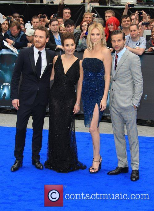 Michael Fassbender, Charlize Theron, Logan Marshall-green and Noomi Rapace 6