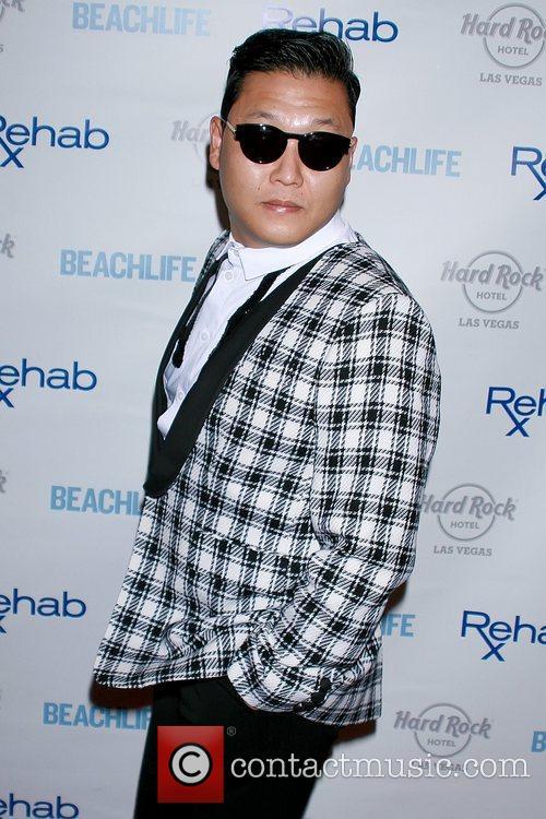 Rapper Psy and Park Jae-sang 5