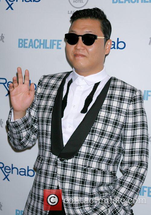 Rapper Psy and Park Jae-sang 3