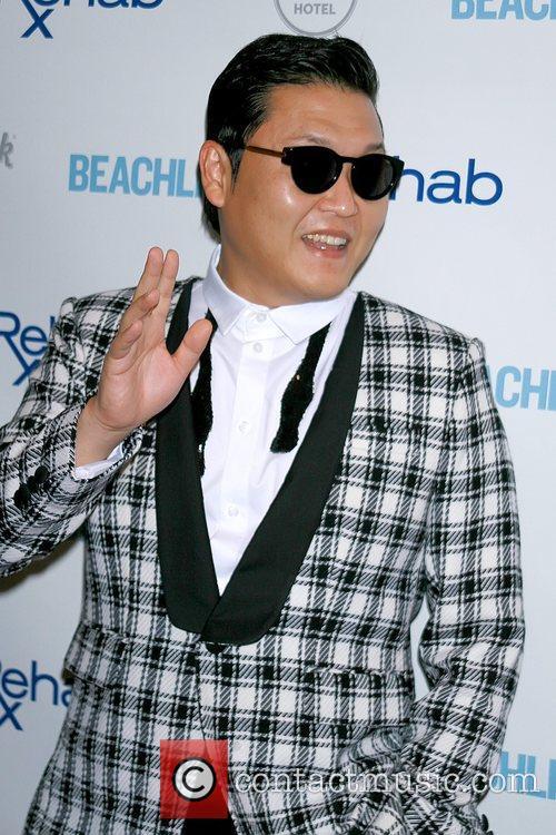 Rapper Psy and Park Jae-sang 4