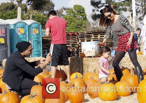 Tony Kanal, Erin Lokitz and Coco Reese Kanal 5