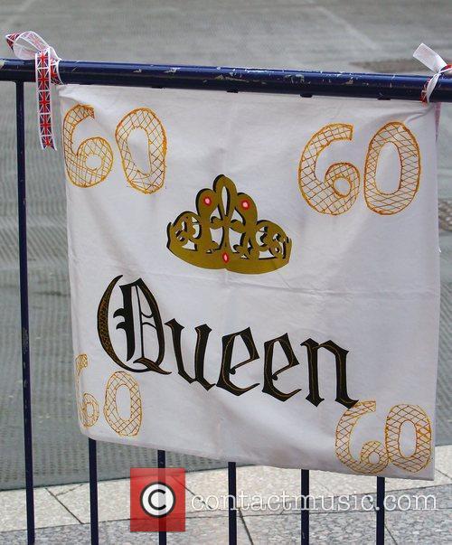 Atmosphere and Queen Elizabeth Ii 5