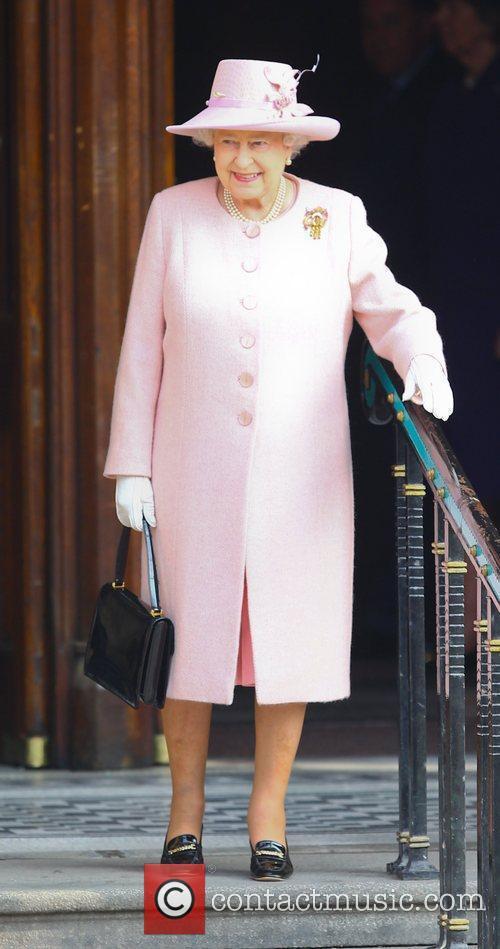 queen elizabeth ii leaving manchester town hall 3795130