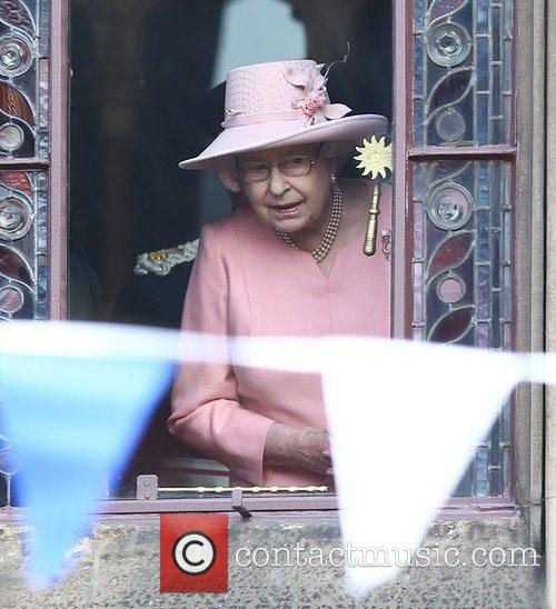 queen elizabeth ii at manchester town hall 3795159