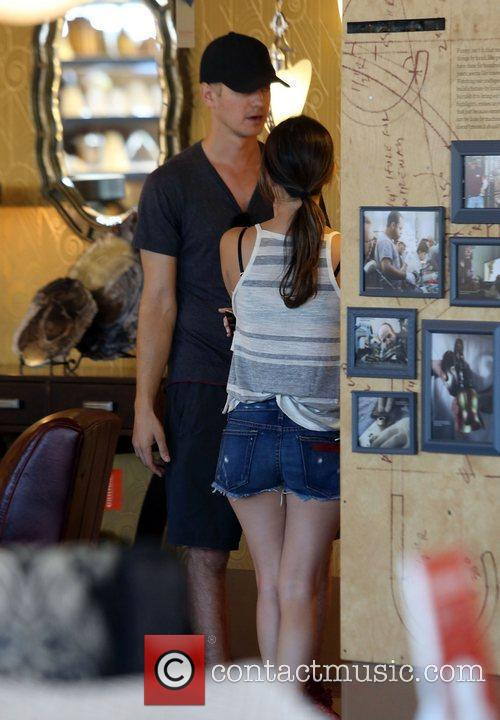 Rachel Bilson and Hayden Christensen 20