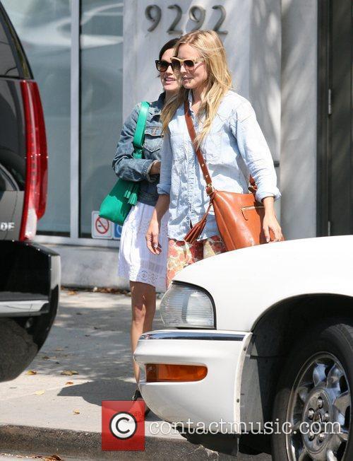 Rachel Bilson and Kristen Bell 9