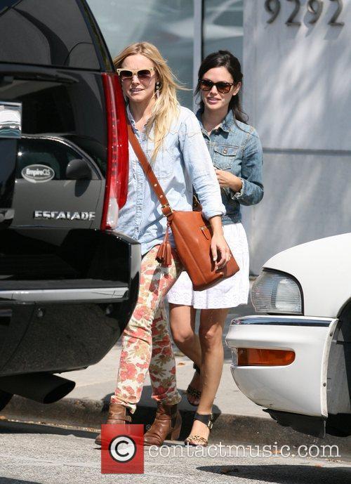 Rachel Bilson and Kristen Bell 10