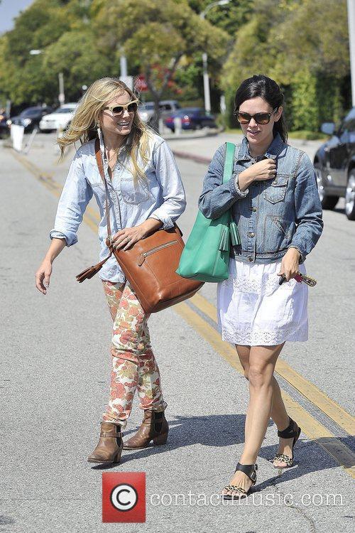 Rachel Bilson and Kristen Bell 13