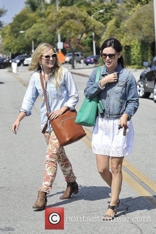 Rachel Bilson and Kristen Bell 14