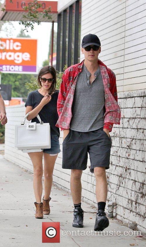 Rachel Bilson and Hayden Christensen 4