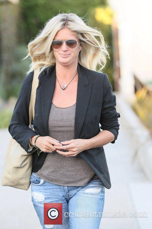 rachel hunter exits andy lecompte salon in 5870640