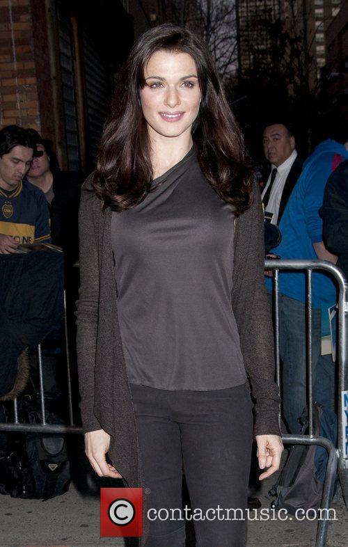 rachel weisz arriving at the daily show 5809692