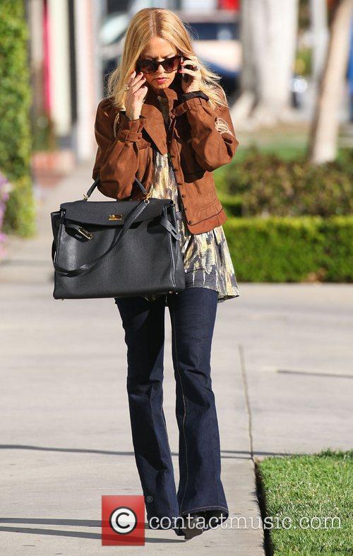 Rachel Zoe leaves Stella McCartney's store in West...