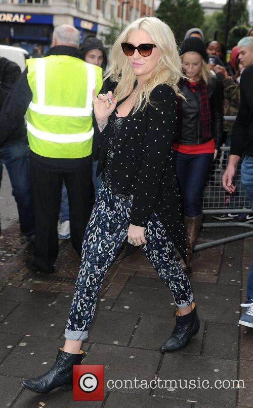 Ke$ha London 2012