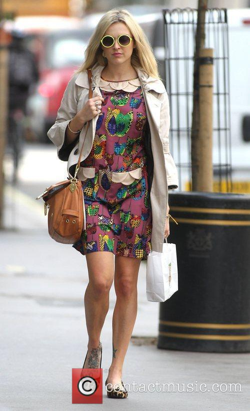 fearne cotton at the bbc radio 1 3993628