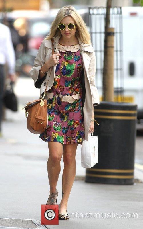 fearne cotton at the bbc radio 1 3993630