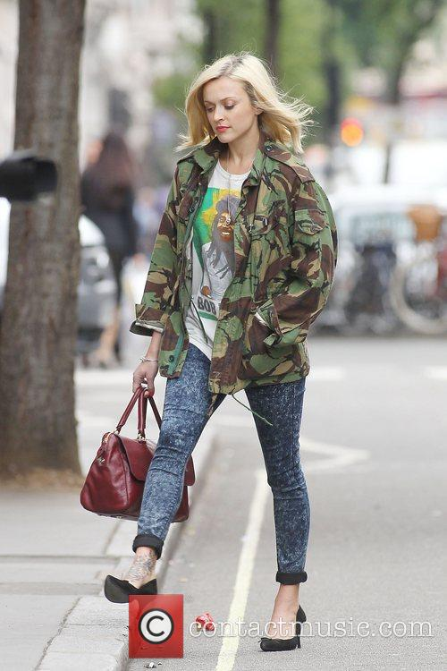 fearne cotton at the bbc radio 1 studios 12 pictures. Black Bedroom Furniture Sets. Home Design Ideas