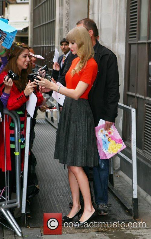 Taylor Swift 14