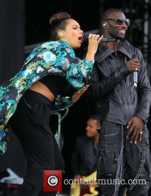 Leona Lewis and Wretch 32 4
