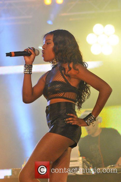 Azealia Banks 25